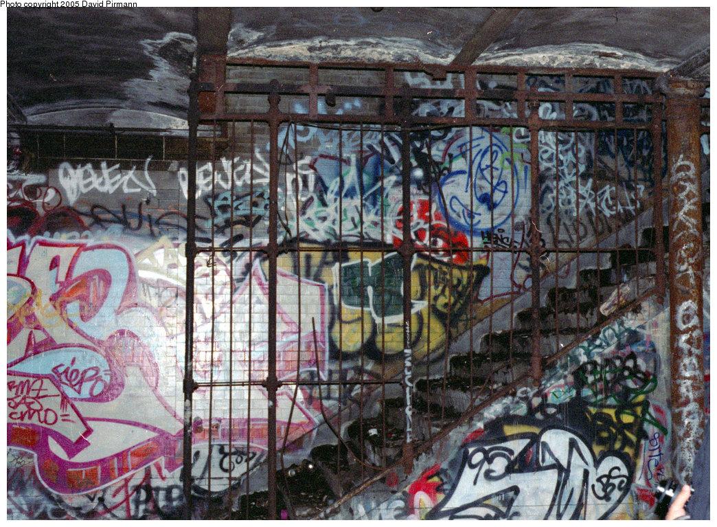 (334k, 1044x767)<br><b>Country:</b> United States<br><b>City:</b> New York<br><b>System:</b> New York City Transit<br><b>Line:</b> IRT West Side Line<br><b>Location:</b> 91st Street <br><b>Photo by:</b> David Pirmann<br><b>Date:</b> 9/24/1995<br><b>Notes:</b> Stairway to street<br><b>Viewed (this week/total):</b> 11 / 41582