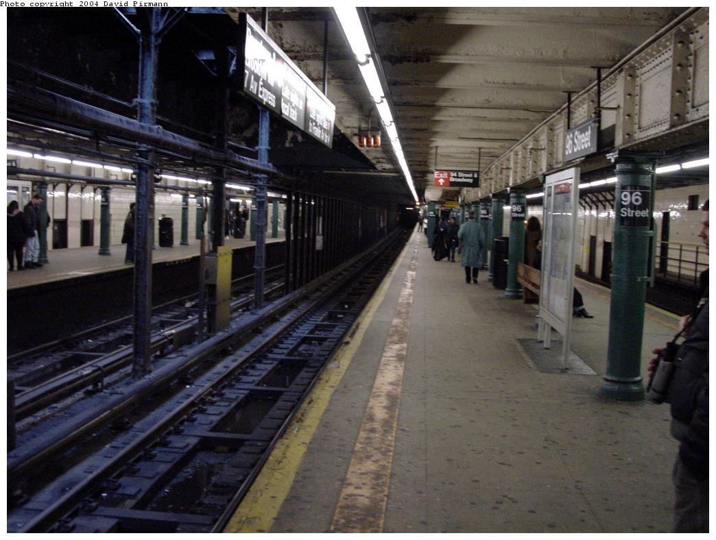 (130k, 1044x788)<br><b>Country:</b> United States<br><b>City:</b> New York<br><b>System:</b> New York City Transit<br><b>Line:</b> IRT West Side Line<br><b>Location:</b> 96th Street <br><b>Photo by:</b> David Pirmann<br><b>Date:</b> 3/12/2000<br><b>Notes:</b> Sorthbound platform<br><b>Viewed (this week/total):</b> 3 / 4482