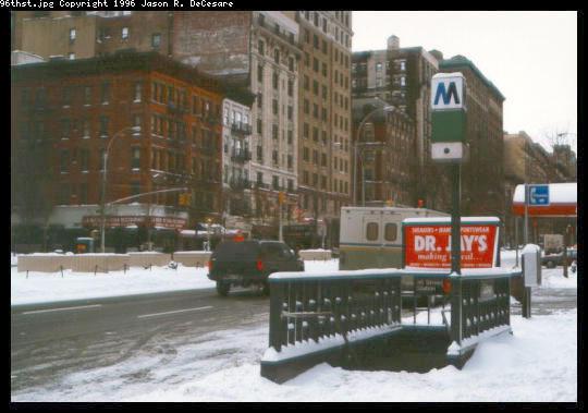 (39k, 540x379)<br><b>Country:</b> United States<br><b>City:</b> New York<br><b>System:</b> New York City Transit<br><b>Line:</b> IRT West Side Line<br><b>Location:</b> 96th Street <br><b>Photo by:</b> Jason R. DeCesare<br><b>Date:</b> 1995<br><b>Viewed (this week/total):</b> 3 / 5395
