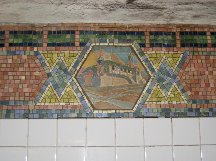 (72k, 734x548)<br><b>Country:</b> United States<br><b>City:</b> New York<br><b>System:</b> New York City Transit<br><b>Line:</b> IRT West Side Line<br><b>Location:</b> Christopher Street/Sheridan Square <br><b>Photo by:</b> Robbie Rosenfeld<br><b>Date:</b> 3/16/2005<br><b>Viewed (this week/total):</b> 2 / 3664