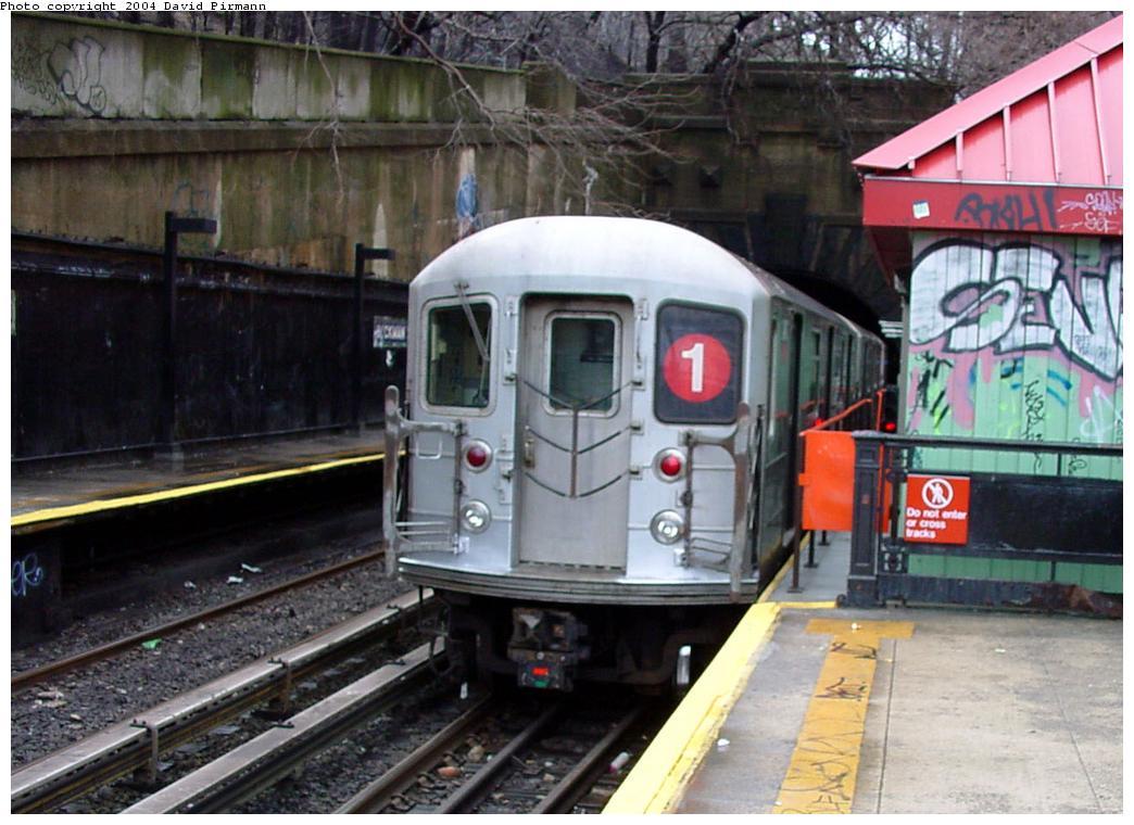 (130k, 1044x760)<br><b>Country:</b> United States<br><b>City:</b> New York<br><b>System:</b> New York City Transit<br><b>Line:</b> IRT West Side Line<br><b>Location:</b> Dyckman Street <br><b>Route:</b> 1<br><b>Photo by:</b> David Pirmann<br><b>Date:</b> 3/12/2000<br><b>Viewed (this week/total):</b> 2 / 3750