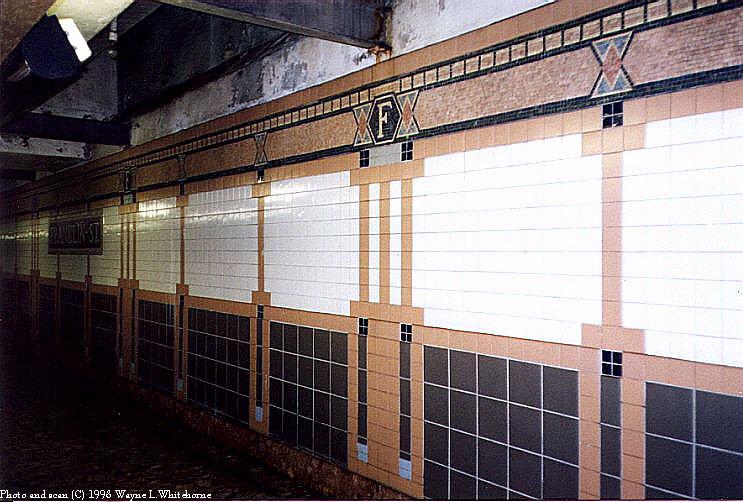 (93k, 743x502)<br><b>Country:</b> United States<br><b>City:</b> New York<br><b>System:</b> New York City Transit<br><b>Line:</b> IRT West Side Line<br><b>Location:</b> Franklin Street <br><b>Photo by:</b> Wayne Whitehorne<br><b>Date:</b> 1998<br><b>Viewed (this week/total):</b> 0 / 3171