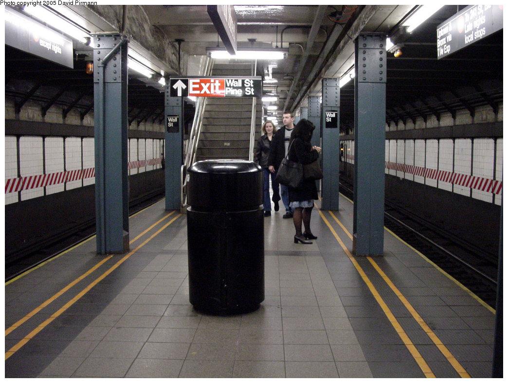 (227k, 1044x788)<br><b>Country:</b> United States<br><b>City:</b> New York<br><b>System:</b> New York City Transit<br><b>Line:</b> IRT West Side Line<br><b>Location:</b> Wall Street <br><b>Photo by:</b> David Pirmann<br><b>Date:</b> 3/26/2000<br><b>Viewed (this week/total):</b> 11 / 7734