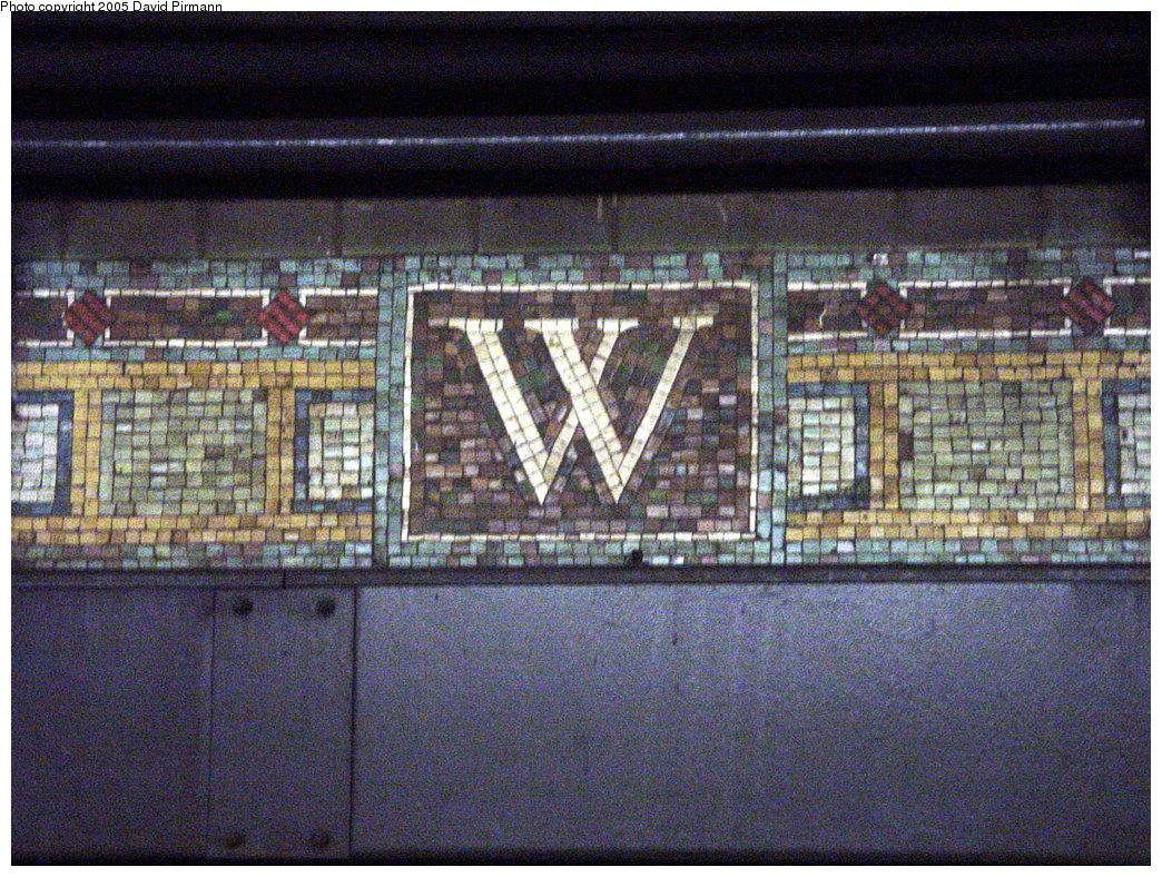 (349k, 1044x788)<br><b>Country:</b> United States<br><b>City:</b> New York<br><b>System:</b> New York City Transit<br><b>Line:</b> IRT West Side Line<br><b>Location:</b> Wall Street <br><b>Photo by:</b> David Pirmann<br><b>Date:</b> 3/26/2000<br><b>Viewed (this week/total):</b> 0 / 4286