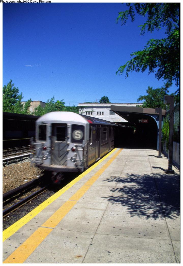 (190k, 720x1045)<br><b>Country:</b> United States<br><b>City:</b> New York<br><b>System:</b> New York City Transit<br><b>Line:</b> IRT Dyre Ave. Line<br><b>Location:</b> Gun Hill Road <br><b>Route:</b> 5<br><b>Photo by:</b> David Pirmann<br><b>Date:</b> 8/1/1998<br><b>Viewed (this week/total):</b> 3 / 3094
