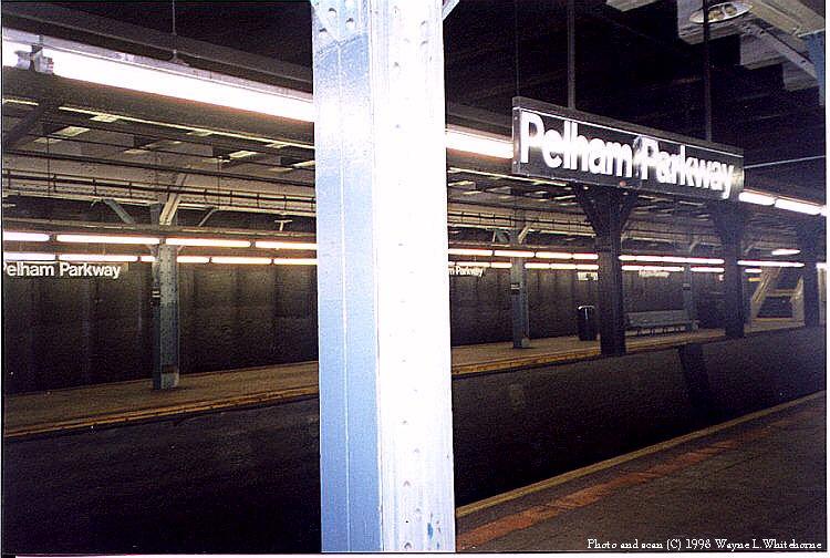 (91k, 750x504)<br><b>Country:</b> United States<br><b>City:</b> New York<br><b>System:</b> New York City Transit<br><b>Line:</b> IRT Dyre Ave. Line<br><b>Location:</b> Pelham Parkway <br><b>Photo by:</b> Wayne Whitehorne<br><b>Date:</b> 8/1/1998<br><b>Viewed (this week/total):</b> 4 / 3674