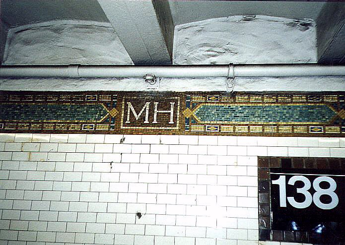 (97k, 695x494)<br><b>Country:</b> United States<br><b>City:</b> New York<br><b>System:</b> New York City Transit<br><b>Line:</b> IRT Woodlawn Line<br><b>Location:</b> 138th Street (Mott Haven) <br><b>Photo by:</b> Wayne Whitehorne<br><b>Date:</b> 1998<br><b>Viewed (this week/total):</b> 1 / 5750