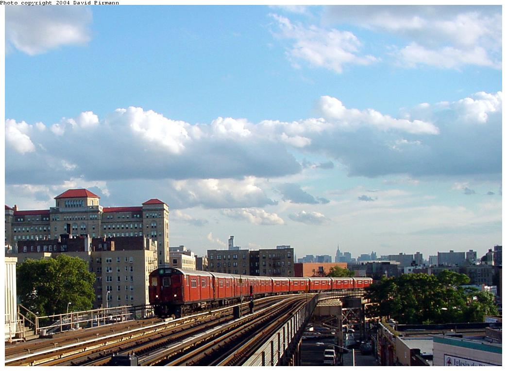 (116k, 1044x763)<br><b>Country:</b> United States<br><b>City:</b> New York<br><b>System:</b> New York City Transit<br><b>Line:</b> IRT Woodlawn Line<br><b>Location:</b> 170th Street <br><b>Route:</b> 4<br><b>Photo by:</b> David Pirmann<br><b>Date:</b> 7/12/2001<br><b>Viewed (this week/total):</b> 0 / 3216