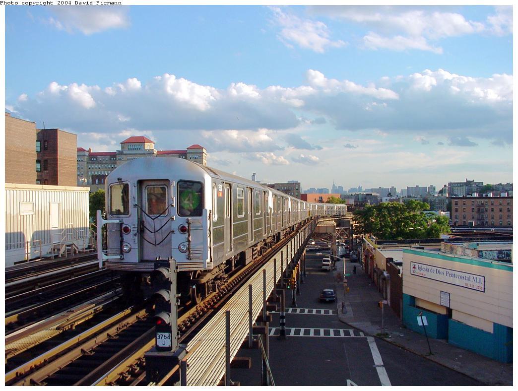(136k, 1044x788)<br><b>Country:</b> United States<br><b>City:</b> New York<br><b>System:</b> New York City Transit<br><b>Line:</b> IRT Woodlawn Line<br><b>Location:</b> 170th Street <br><b>Route:</b> 4<br><b>Car:</b> R-62 (Kawasaki, 1983-1985)  1530 <br><b>Photo by:</b> David Pirmann<br><b>Date:</b> 7/12/2001<br><b>Viewed (this week/total):</b> 0 / 4997