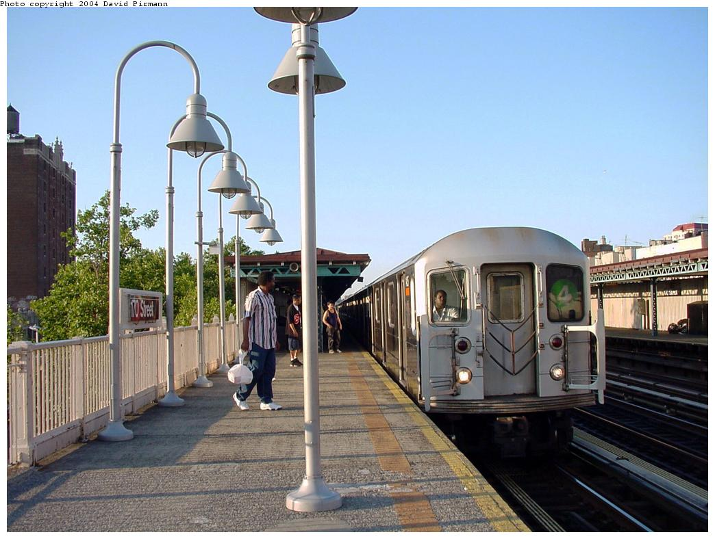 (133k, 1044x788)<br><b>Country:</b> United States<br><b>City:</b> New York<br><b>System:</b> New York City Transit<br><b>Line:</b> IRT Woodlawn Line<br><b>Location:</b> 170th Street <br><b>Route:</b> 4<br><b>Car:</b> R-62 (Kawasaki, 1983-1985)   <br><b>Photo by:</b> David Pirmann<br><b>Date:</b> 7/12/2001<br><b>Viewed (this week/total):</b> 2 / 5197