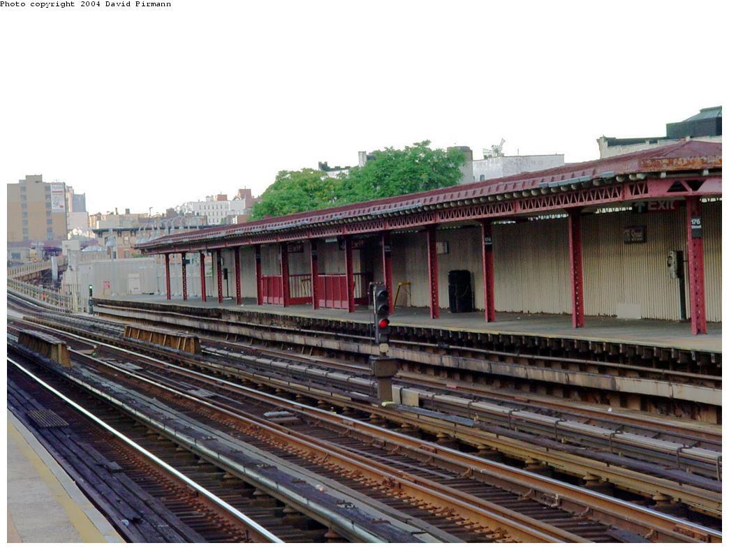 (131k, 1044x788)<br><b>Country:</b> United States<br><b>City:</b> New York<br><b>System:</b> New York City Transit<br><b>Line:</b> IRT Woodlawn Line<br><b>Location:</b> 176th Street <br><b>Photo by:</b> David Pirmann<br><b>Date:</b> 7/12/2001<br><b>Viewed (this week/total):</b> 1 / 3987
