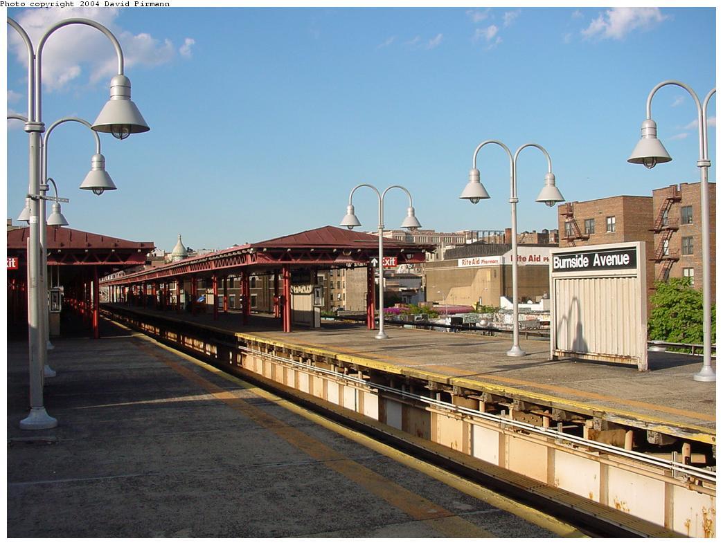 (130k, 1044x788)<br><b>Country:</b> United States<br><b>City:</b> New York<br><b>System:</b> New York City Transit<br><b>Line:</b> IRT Woodlawn Line<br><b>Location:</b> Burnside Avenue <br><b>Photo by:</b> David Pirmann<br><b>Date:</b> 7/12/2001<br><b>Viewed (this week/total):</b> 2 / 4708