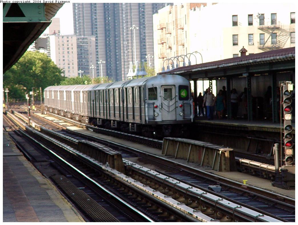 (140k, 1044x788)<br><b>Country:</b> United States<br><b>City:</b> New York<br><b>System:</b> New York City Transit<br><b>Line:</b> IRT Woodlawn Line<br><b>Location:</b> Kingsbridge Road <br><b>Route:</b> 4<br><b>Car:</b> R-62 (Kawasaki, 1983-1985)   <br><b>Photo by:</b> David Pirmann<br><b>Date:</b> 7/12/2001<br><b>Viewed (this week/total):</b> 6 / 6407