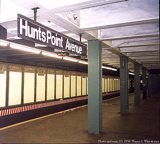 (74k, 555x500)<br><b>Country:</b> United States<br><b>City:</b> New York<br><b>System:</b> New York City Transit<br><b>Line:</b> IRT Pelham Line<br><b>Location:</b> Hunts Point Avenue <br><b>Photo by:</b> Wayne Whitehorne<br><b>Date:</b> 9/30/1998<br><b>Notes:</b> View of Hunts Point Avenue station<br><b>Viewed (this week/total):</b> 5 / 3472