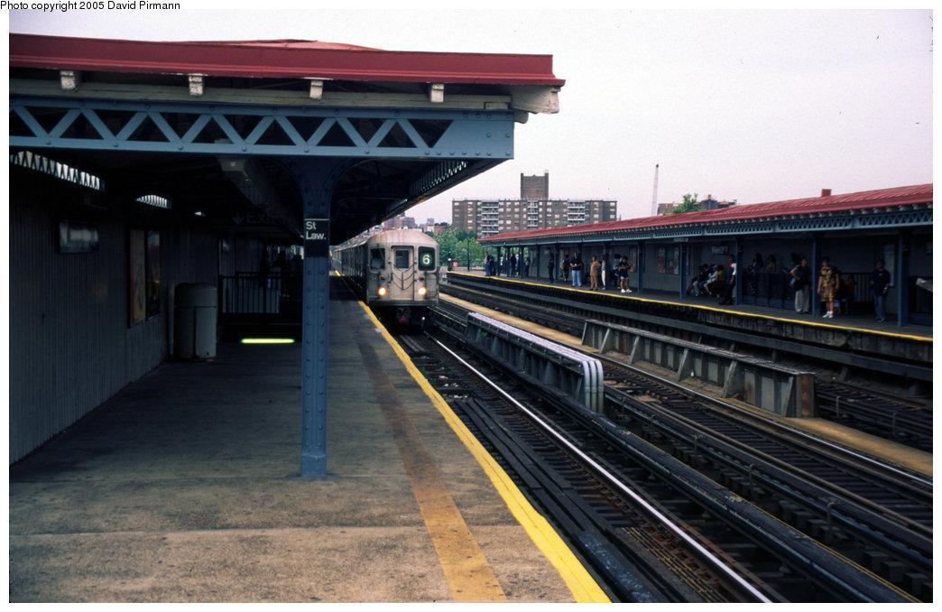 (173k, 1044x678)<br><b>Country:</b> United States<br><b>City:</b> New York<br><b>System:</b> New York City Transit<br><b>Line:</b> IRT Pelham Line<br><b>Location:</b> St. Lawrence Avenue <br><b>Photo by:</b> David Pirmann<br><b>Date:</b> 7/21/1999<br><b>Viewed (this week/total):</b> 1 / 4767