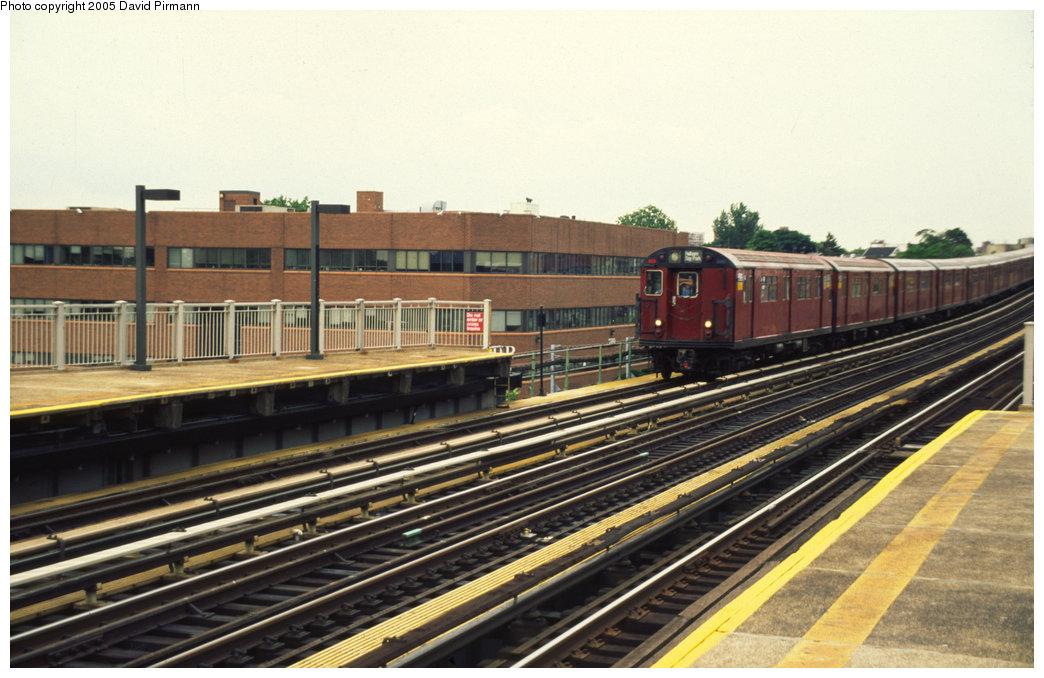 (192k, 1044x678)<br><b>Country:</b> United States<br><b>City:</b> New York<br><b>System:</b> New York City Transit<br><b>Line:</b> IRT Pelham Line<br><b>Location:</b> Zerega Avenue <br><b>Route:</b> 6<br><b>Photo by:</b> David Pirmann<br><b>Date:</b> 7/21/1999<br><b>Viewed (this week/total):</b> 0 / 2433