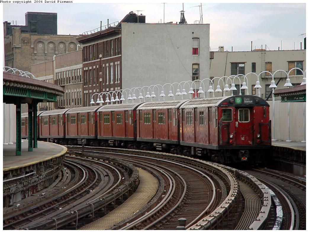 (154k, 1044x788)<br><b>Country:</b> United States<br><b>City:</b> New York<br><b>System:</b> New York City Transit<br><b>Line:</b> IRT White Plains Road Line<br><b>Location:</b> 174th Street<br><b>Route:</b> 5<br><b>Photo by:</b> David Pirmann<br><b>Date:</b> 7/3/2001<br><b>Viewed (this week/total):</b> 3 / 5737