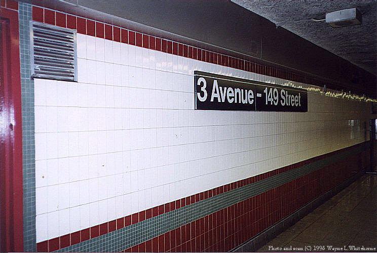 (81k, 744x499)<br><b>Country:</b> United States<br><b>City:</b> New York<br><b>System:</b> New York City Transit<br><b>Line:</b> IRT White Plains Road Line<br><b>Location:</b> 3rd Avenue/149th Street <br><b>Photo by:</b> Wayne Whitehorne<br><b>Date:</b> 9/30/1998<br><b>Notes:</b> Renovated station wall<br><b>Viewed (this week/total):</b> 0 / 5088