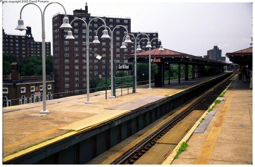 (215k, 1044x686)<br><b>Country:</b> United States<br><b>City:</b> New York<br><b>System:</b> New York City Transit<br><b>Line:</b> IRT White Plains Road Line<br><b>Location:</b> Gun Hill Road <br><b>Photo by:</b> David Pirmann<br><b>Date:</b> 7/21/1999<br><b>Viewed (this week/total):</b> 1 / 4248