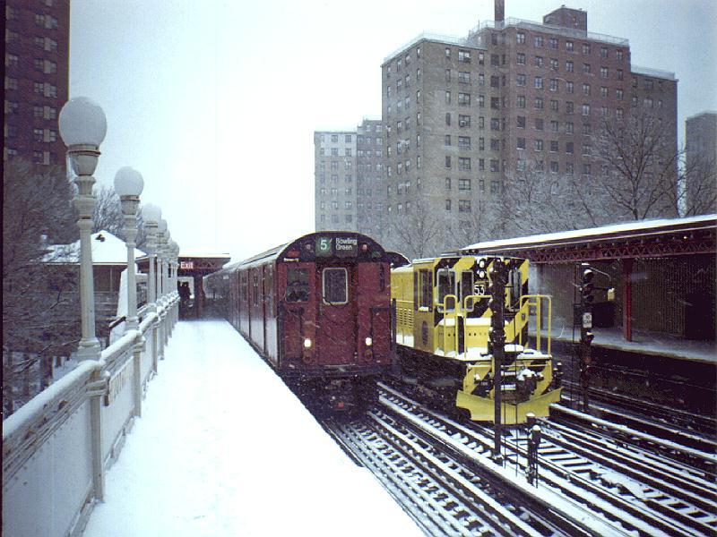 (101k, 800x600)<br><b>Country:</b> United States<br><b>City:</b> New York<br><b>System:</b> New York City Transit<br><b>Line:</b> IRT White Plains Road Line<br><b>Location:</b> Jackson Avenue <br><b>Route:</b> 5<br><b>Car:</b> R-37 Locomotive  53 <br><b>Photo by:</b> Constantine Steffan<br><b>Date:</b> 3/1996<br><b>Viewed (this week/total):</b> 4 / 7128