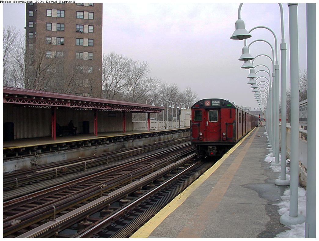 (144k, 1044x788)<br><b>Country:</b> United States<br><b>City:</b> New York<br><b>System:</b> New York City Transit<br><b>Line:</b> IRT White Plains Road Line<br><b>Location:</b> Jackson Avenue <br><b>Route:</b> 2<br><b>Photo by:</b> David Pirmann<br><b>Date:</b> 1/14/2001<br><b>Viewed (this week/total):</b> 0 / 3345