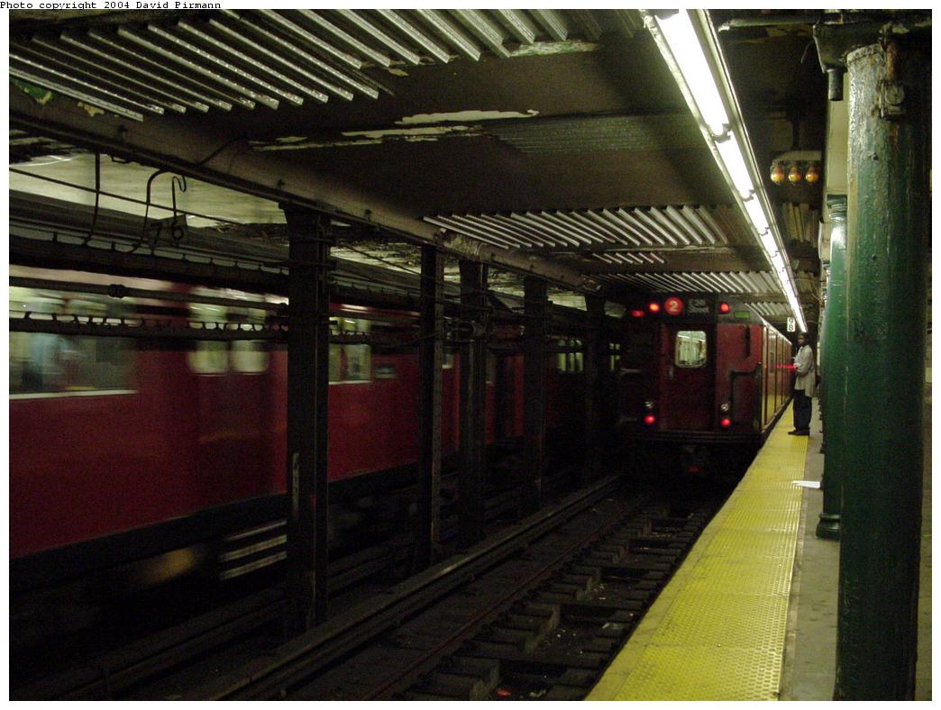 (129k, 1044x788)<br><b>Country:</b> United States<br><b>City:</b> New York<br><b>System:</b> New York City Transit<br><b>Line:</b> IRT Brooklyn Line<br><b>Location:</b> Atlantic Avenue <br><b>Photo by:</b> David Pirmann<br><b>Date:</b> 5/17/2000<br><b>Viewed (this week/total):</b> 4 / 4927