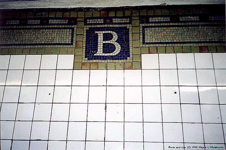 (93k, 744x496)<br><b>Country:</b> United States<br><b>City:</b> New York<br><b>System:</b> New York City Transit<br><b>Line:</b> IRT Brooklyn Line<br><b>Location:</b> Bergen Street <br><b>Photo by:</b> Wayne Whitehorne<br><b>Date:</b> 1/31/1998<br><b>Viewed (this week/total):</b> 0 / 3240