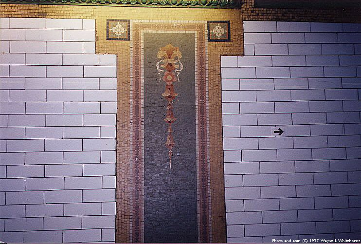 (93k, 742x501)<br><b>Country:</b> United States<br><b>City:</b> New York<br><b>System:</b> New York City Transit<br><b>Line:</b> IRT Brooklyn Line<br><b>Location:</b> Borough Hall (East Side Branch) <br><b>Photo by:</b> Wayne Whitehorne<br><b>Date:</b> 4/5/1998<br><b>Viewed (this week/total):</b> 2 / 3015