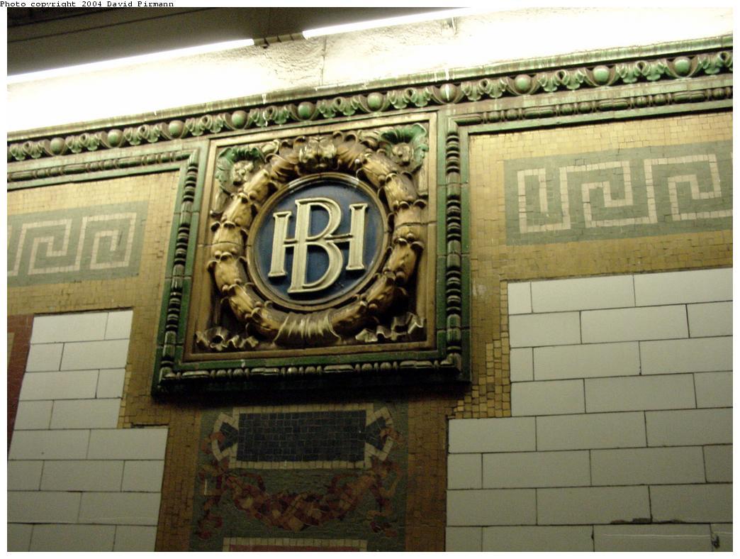 (127k, 1044x788)<br><b>Country:</b> United States<br><b>City:</b> New York<br><b>System:</b> New York City Transit<br><b>Line:</b> IRT Brooklyn Line<br><b>Location:</b> Borough Hall (East Side Branch) <br><b>Photo by:</b> David Pirmann<br><b>Date:</b> 3/12/2000<br><b>Viewed (this week/total):</b> 1 / 3442