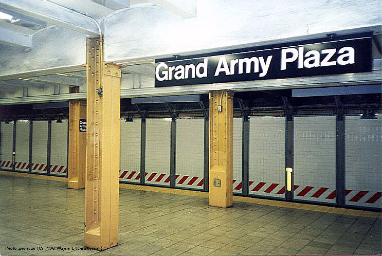 (94k, 743x498)<br><b>Country:</b> United States<br><b>City:</b> New York<br><b>System:</b> New York City Transit<br><b>Line:</b> IRT Brooklyn Line<br><b>Location:</b> Grand Army Plaza <br><b>Photo by:</b> Wayne Whitehorne<br><b>Date:</b> 1/31/1998<br><b>Viewed (this week/total):</b> 0 / 4934
