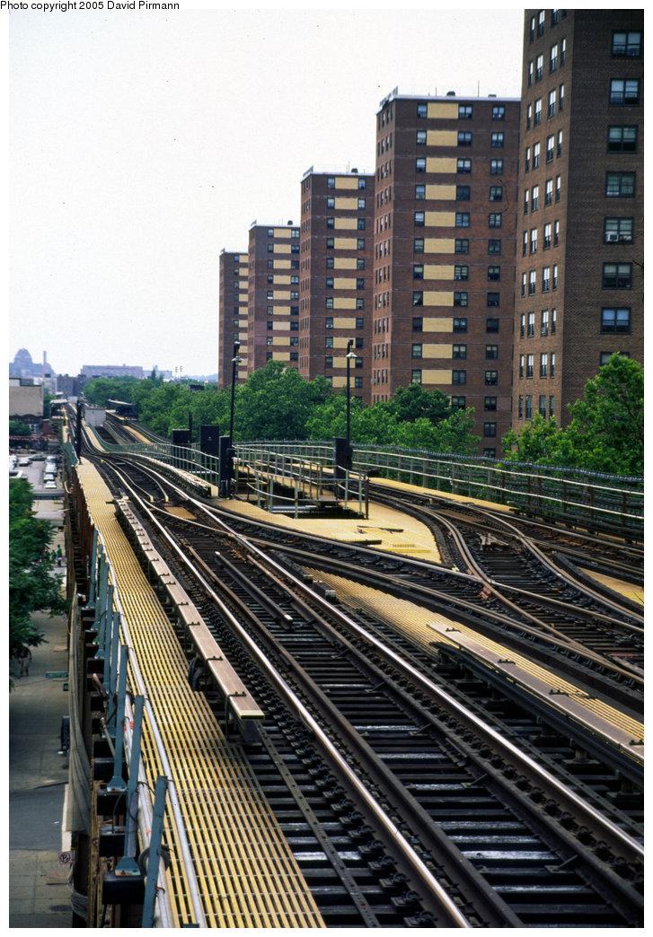 (255k, 727x1044)<br><b>Country:</b> United States<br><b>City:</b> New York<br><b>System:</b> New York City Transit<br><b>Line:</b> IRT Brooklyn Line<br><b>Location:</b> Junius Street <br><b>Route:</b> 3<br><b>Photo by:</b> David Pirmann<br><b>Date:</b> 7/21/1999<br><b>Notes:</b> View from Junius Street west to Rockaway Avenue<br><b>Viewed (this week/total):</b> 0 / 4469