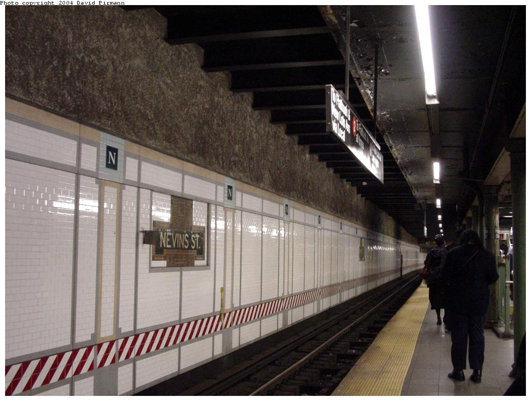 (123k, 1044x788)<br><b>Country:</b> United States<br><b>City:</b> New York<br><b>System:</b> New York City Transit<br><b>Line:</b> IRT Brooklyn Line<br><b>Location:</b> Nevins Street <br><b>Photo by:</b> David Pirmann<br><b>Date:</b> 5/17/2000<br><b>Viewed (this week/total):</b> 6 / 8284