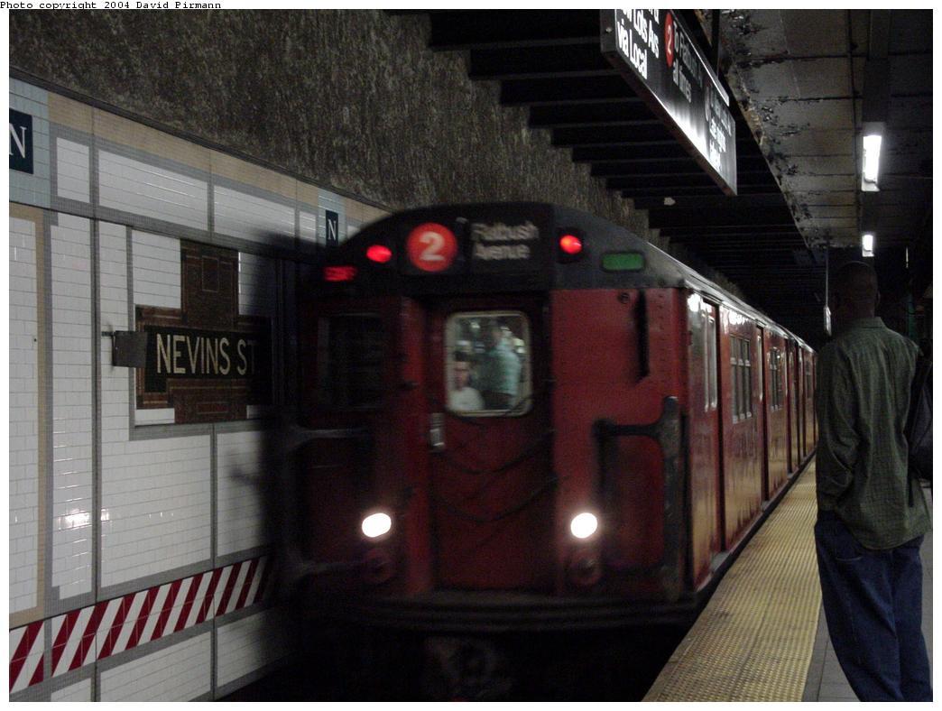 (116k, 1044x788)<br><b>Country:</b> United States<br><b>City:</b> New York<br><b>System:</b> New York City Transit<br><b>Line:</b> IRT Brooklyn Line<br><b>Location:</b> Nevins Street <br><b>Photo by:</b> David Pirmann<br><b>Date:</b> 5/17/2000<br><b>Viewed (this week/total):</b> 0 / 12595