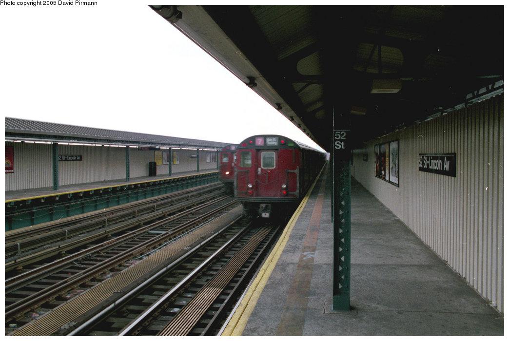 (169k, 1044x700)<br><b>Country:</b> United States<br><b>City:</b> New York<br><b>System:</b> New York City Transit<br><b>Line:</b> IRT Flushing Line<br><b>Location:</b> 52nd Street/Lincoln Avenue <br><b>Route:</b> 7<br><b>Photo by:</b> David Pirmann<br><b>Date:</b> 7/29/1998<br><b>Viewed (this week/total):</b> 0 / 2312