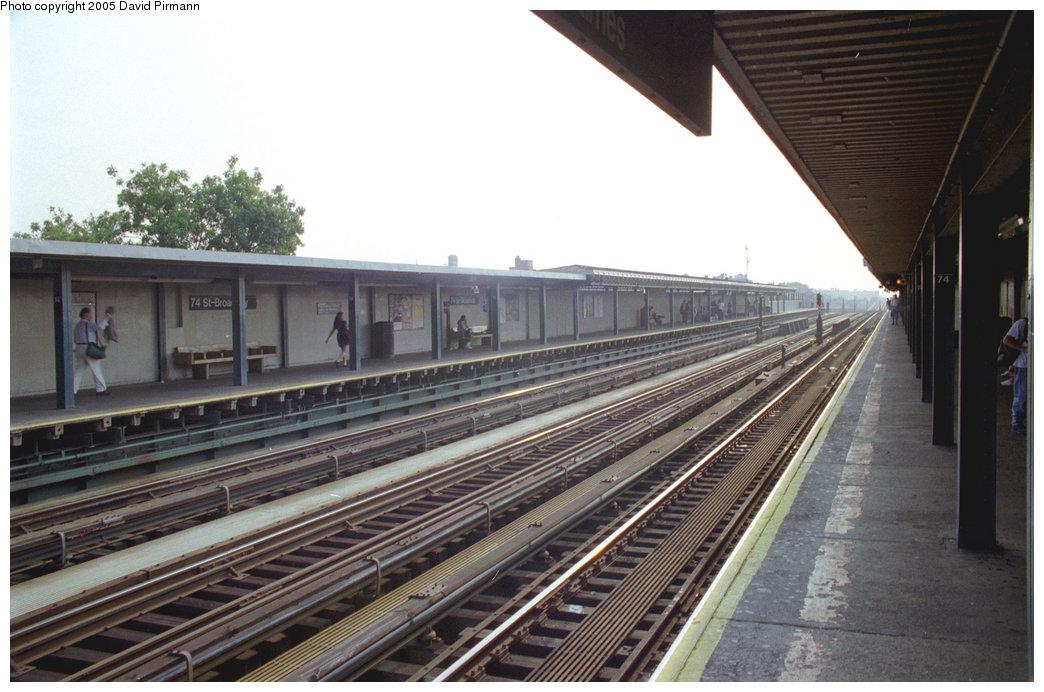 (190k, 1044x692)<br><b>Country:</b> United States<br><b>City:</b> New York<br><b>System:</b> New York City Transit<br><b>Line:</b> IRT Flushing Line<br><b>Location:</b> 74th Street/Broadway <br><b>Route:</b> 7<br><b>Photo by:</b> David Pirmann<br><b>Date:</b> 7/29/1998<br><b>Viewed (this week/total):</b> 4 / 3926