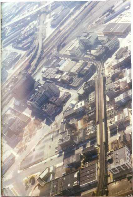 (37k, 426x629)<br><b>Country:</b> United States<br><b>City:</b> New York<br><b>System:</b> New York City Transit<br><b>Line:</b> IRT Flushing Line<br><b>Location:</b> Court House Square/45th Road <br><b>Route:</b> 7<br><b>Collection of:</b> Peggy Darlington<br><b>Date:</b> 4/2000<br><b>Notes:</b> Aerial view<br><b>Viewed (this week/total):</b> 5 / 3056