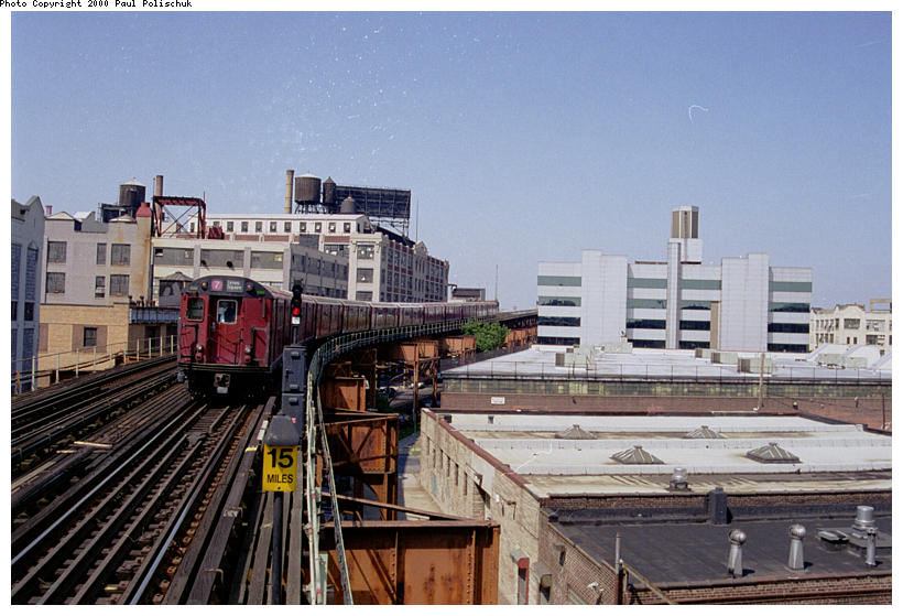 (96k, 820x559)<br><b>Country:</b> United States<br><b>City:</b> New York<br><b>System:</b> New York City Transit<br><b>Line:</b> IRT Flushing Line<br><b>Location:</b> Court House Square/45th Road <br><b>Route:</b> 7<br><b>Photo by:</b> Paul Polischuk<br><b>Date:</b> 5/17/2000<br><b>Viewed (this week/total):</b> 0 / 2276