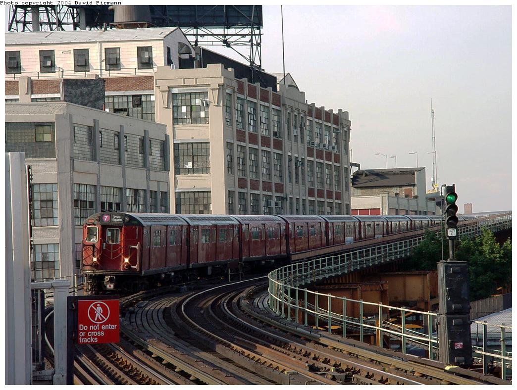 (160k, 1044x788)<br><b>Country:</b> United States<br><b>City:</b> New York<br><b>System:</b> New York City Transit<br><b>Line:</b> IRT Flushing Line<br><b>Location:</b> Court House Square/45th Road <br><b>Route:</b> 7<br><b>Car:</b> R-36 World's Fair (St. Louis, 1963-64) 9475 <br><b>Photo by:</b> David Pirmann<br><b>Date:</b> 7/16/2001<br><b>Viewed (this week/total):</b> 0 / 4398