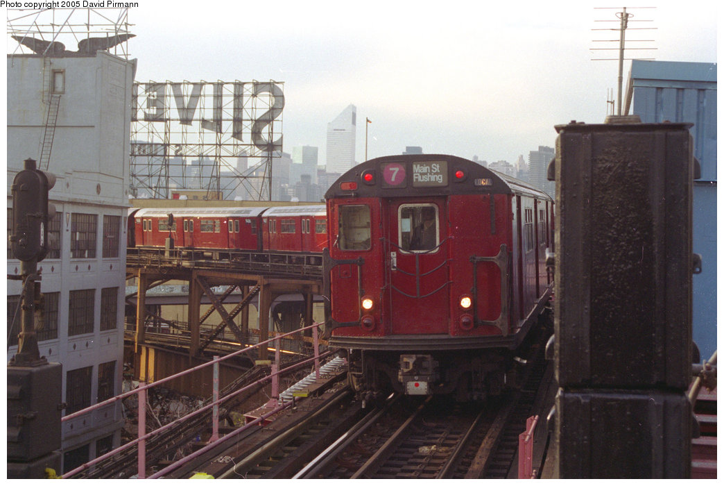 (181k, 1044x700)<br><b>Country:</b> United States<br><b>City:</b> New York<br><b>System:</b> New York City Transit<br><b>Line:</b> IRT Flushing Line<br><b>Location:</b> Queensborough Plaza <br><b>Route:</b> 7<br><b>Car:</b> R-36 World's Fair (St. Louis, 1963-64)  <br><b>Photo by:</b> David Pirmann<br><b>Date:</b> 11/18/1995<br><b>Viewed (this week/total):</b> 1 / 4785