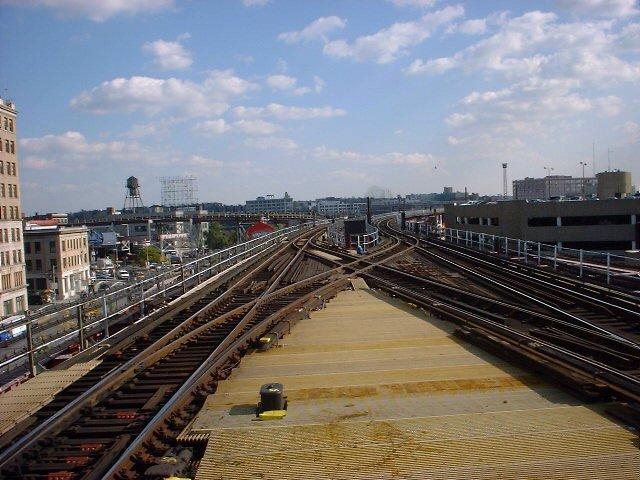 (76k, 640x480)<br><b>Country:</b> United States<br><b>City:</b> New York<br><b>System:</b> New York City Transit<br><b>Line:</b> IRT Flushing Line<br><b>Location:</b> Queensborough Plaza <br><b>Photo by:</b> Peggy Darlington<br><b>Date:</b> 2000<br><b>Viewed (this week/total):</b> 1 / 3439