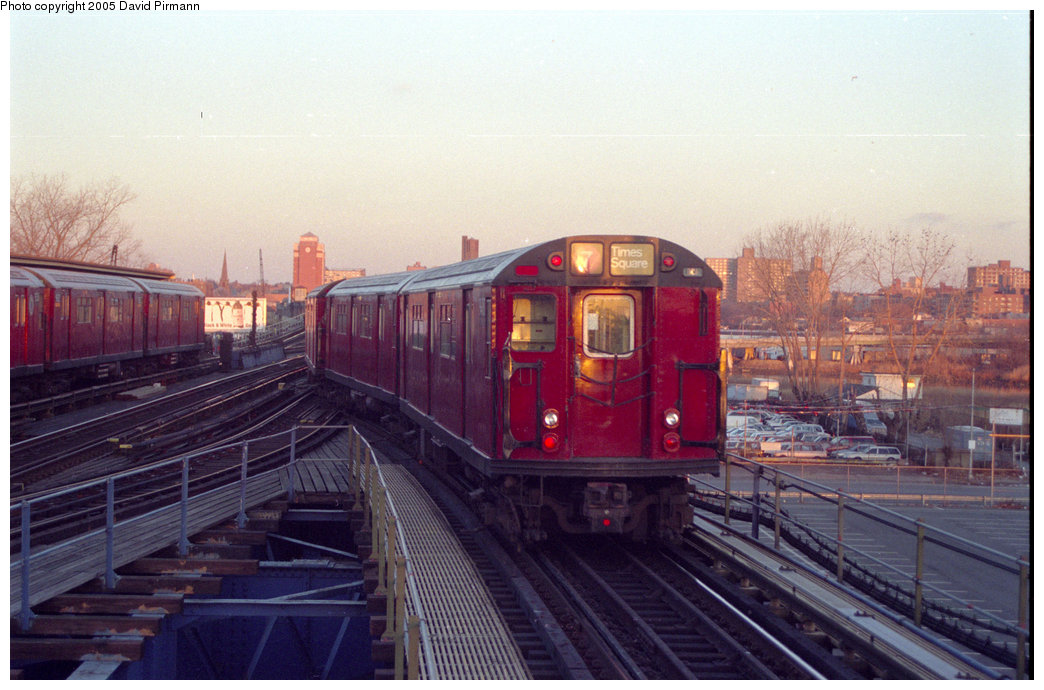 (188k, 1044x690)<br><b>Country:</b> United States<br><b>City:</b> New York<br><b>System:</b> New York City Transit<br><b>Line:</b> IRT Flushing Line<br><b>Location:</b> Willets Point/Mets (fmr. Shea Stadium) <br><b>Route:</b> 7<br><b>Car:</b> R-36 World's Fair (St. Louis, 1963-64)  <br><b>Photo by:</b> David Pirmann<br><b>Date:</b> 12/16/1995<br><b>Viewed (this week/total):</b> 0 / 4486