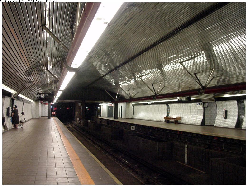 (157k, 1044x788)<br><b>Country:</b> United States<br><b>City:</b> New York<br><b>System:</b> New York City Transit<br><b>Line:</b> IND 63rd Street<br><b>Location:</b> Roosevelt Island <br><b>Photo by:</b> David Pirmann<br><b>Date:</b> 7/3/2000<br><b>Viewed (this week/total):</b> 0 / 4721