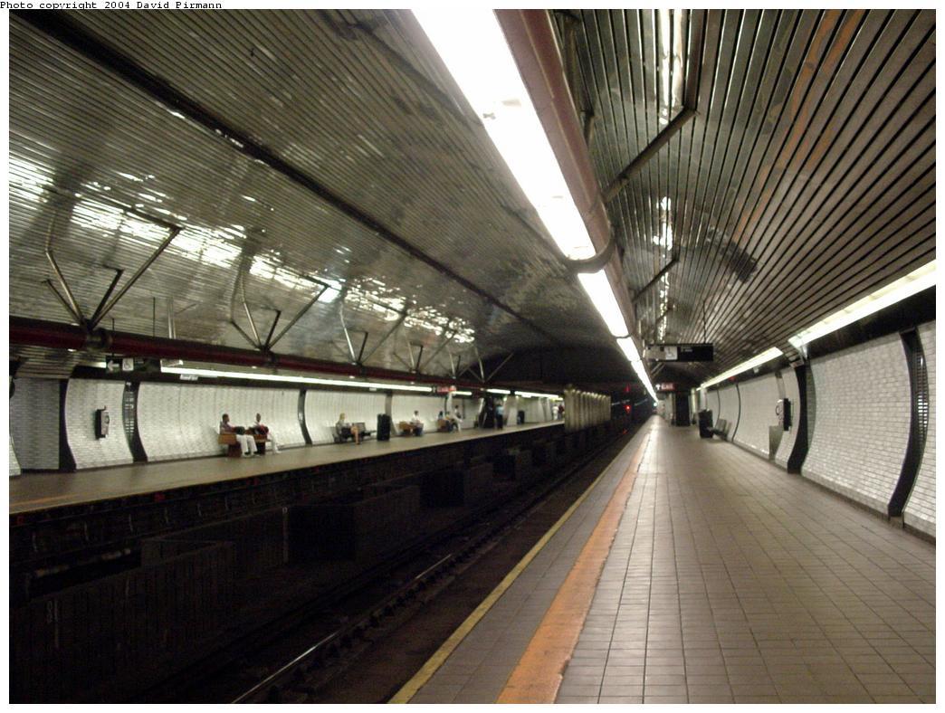 (141k, 1044x788)<br><b>Country:</b> United States<br><b>City:</b> New York<br><b>System:</b> New York City Transit<br><b>Line:</b> IND 63rd Street<br><b>Location:</b> Roosevelt Island <br><b>Photo by:</b> David Pirmann<br><b>Date:</b> 7/3/2000<br><b>Viewed (this week/total):</b> 2 / 4613