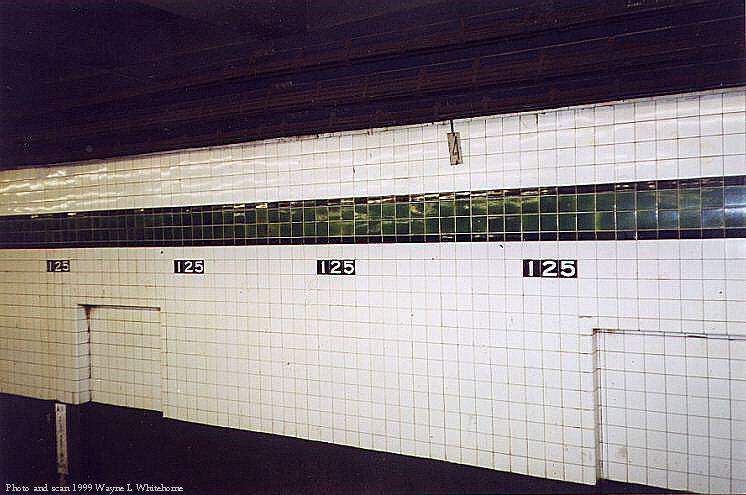 (69k, 746x495)<br><b>Country:</b> United States<br><b>City:</b> New York<br><b>System:</b> New York City Transit<br><b>Line:</b> IND 8th Avenue Line<br><b>Location:</b> 125th Street <br><b>Photo by:</b> Wayne Whitehorne<br><b>Date:</b> 3/27/1999<br><b>Viewed (this week/total):</b> 3 / 3502
