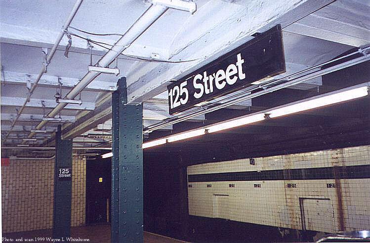 (76k, 749x492)<br><b>Country:</b> United States<br><b>City:</b> New York<br><b>System:</b> New York City Transit<br><b>Line:</b> IND 8th Avenue Line<br><b>Location:</b> 125th Street <br><b>Photo by:</b> Wayne Whitehorne<br><b>Date:</b> 3/27/1999<br><b>Viewed (this week/total):</b> 3 / 4246