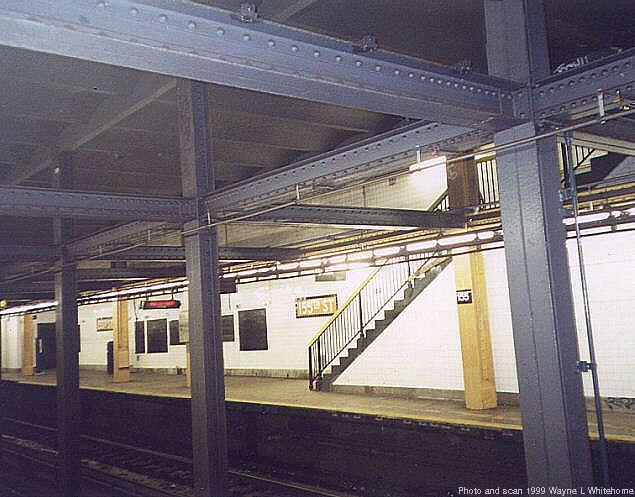 (65k, 635x497)<br><b>Country:</b> United States<br><b>City:</b> New York<br><b>System:</b> New York City Transit<br><b>Line:</b> IND 8th Avenue Line<br><b>Location:</b> 155th Street <br><b>Photo by:</b> Wayne Whitehorne<br><b>Date:</b> 9/24/1999<br><b>Viewed (this week/total):</b> 6 / 4792