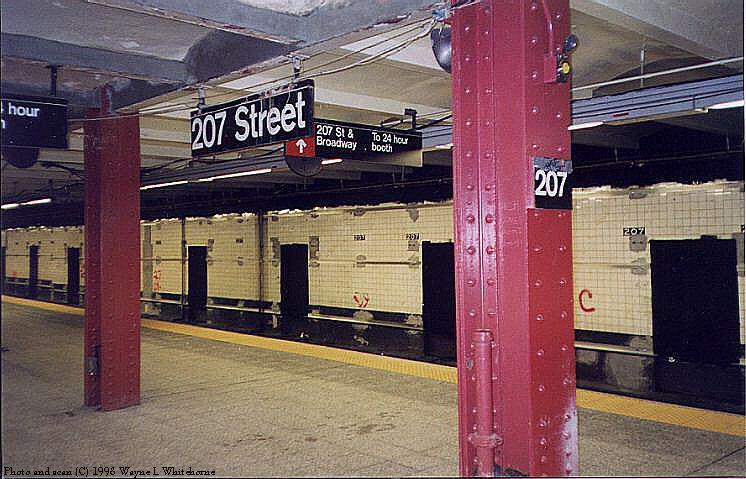 (81k, 746x479)<br><b>Country:</b> United States<br><b>City:</b> New York<br><b>System:</b> New York City Transit<br><b>Line:</b> IND 8th Avenue Line<br><b>Location:</b> 207th Street <br><b>Route:</b> A<br><b>Photo by:</b> Wayne Whitehorne<br><b>Date:</b> 12/19/1998<br><b>Notes:</b> 207th Street station under renovation<br><b>Viewed (this week/total):</b> 3 / 3639