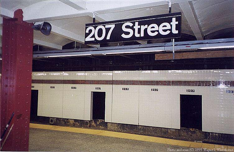 (74k, 752x490)<br><b>Country:</b> United States<br><b>City:</b> New York<br><b>System:</b> New York City Transit<br><b>Line:</b> IND 8th Avenue Line<br><b>Location:</b> 207th Street <br><b>Route:</b> A<br><b>Photo by:</b> Wayne Whitehorne<br><b>Date:</b> 4/24/1999<br><b>Notes:</b> 207th Street station under renovation<br><b>Viewed (this week/total):</b> 3 / 3323