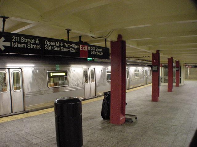(59k, 640x480)<br><b>Country:</b> United States<br><b>City:</b> New York<br><b>System:</b> New York City Transit<br><b>Line:</b> IND 8th Avenue Line<br><b>Location:</b> 207th Street <br><b>Route:</b> A<br><b>Car:</b> R-44 (St. Louis, 1971-73)  <br><b>Photo by:</b> Salaam Allah<br><b>Date:</b> 10/30/2000<br><b>Viewed (this week/total):</b> 4 / 7633