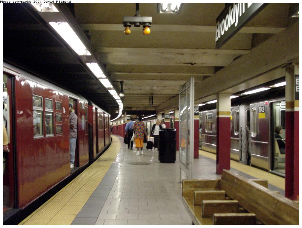 (121k, 1044x788)<br><b>Country:</b> United States<br><b>City:</b> New York<br><b>System:</b> New York City Transit<br><b>Line:</b> IRT East Side Line<br><b>Location:</b> Brooklyn Bridge/City Hall <br><b>Photo by:</b> David Pirmann<br><b>Date:</b> 7/11/2000<br><b>Viewed (this week/total):</b> 2 / 4223